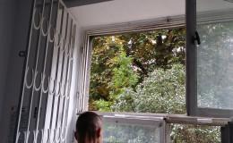 demontaz-okna-drewniane-zoma-1