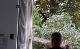 demontaz-okna-drewniane-zoma-6