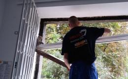 demontaz-okna-drewniane-zoma-8